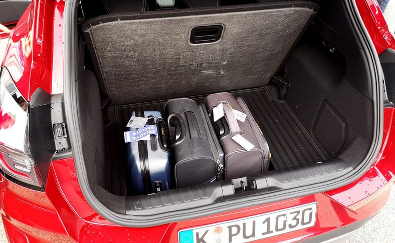 Bagażnikiem Puma rozkłada na łopatki wszystkich rywali – ma pojemność aż 456 l (o 164 l lepiej niż Fiesta). To rekord wśród małych crossoverów. Tajną bronią jest 80 l MegaBox pod podłogą, który pomieścił trzy walizki