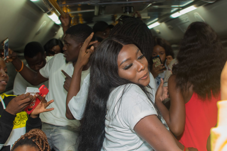 Fireboy DML treats fans to an exciting bus party experience in Lagos