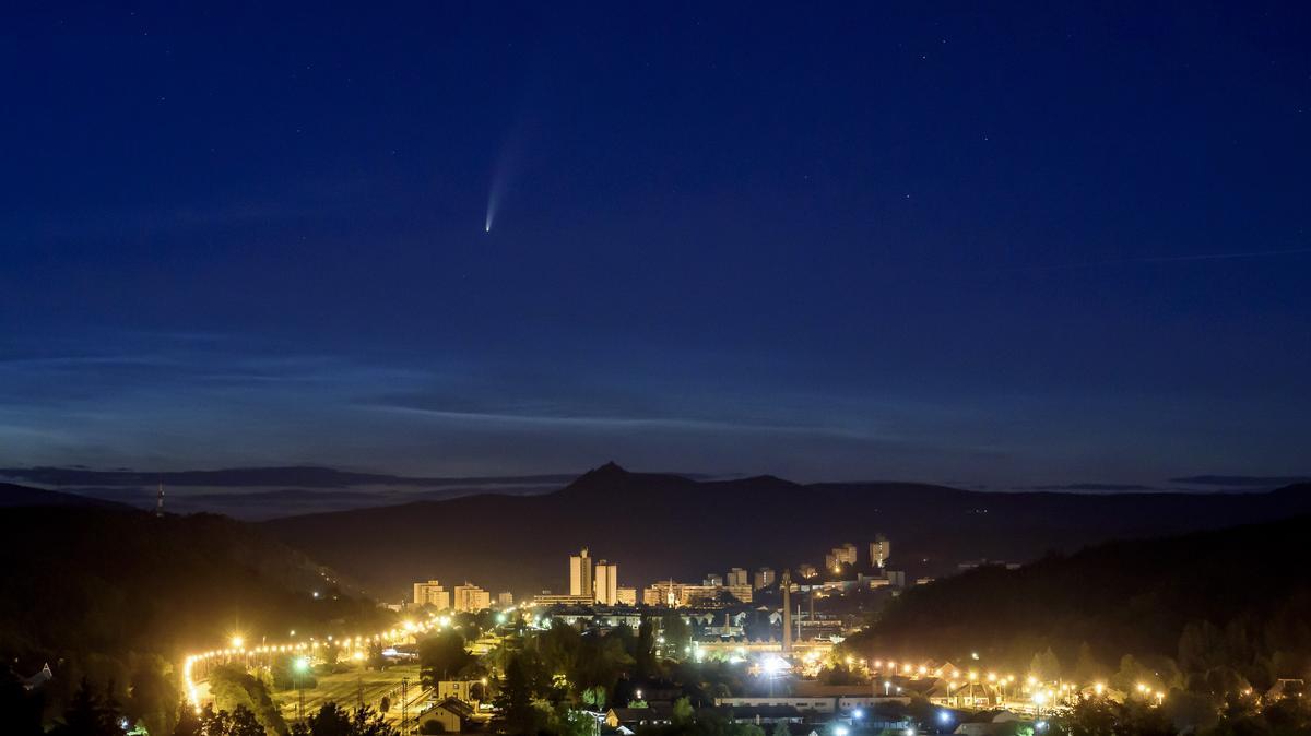 Így nézett ki ma hajnalban a Magyarországról is szabad szemmel látható üstökös - fotók