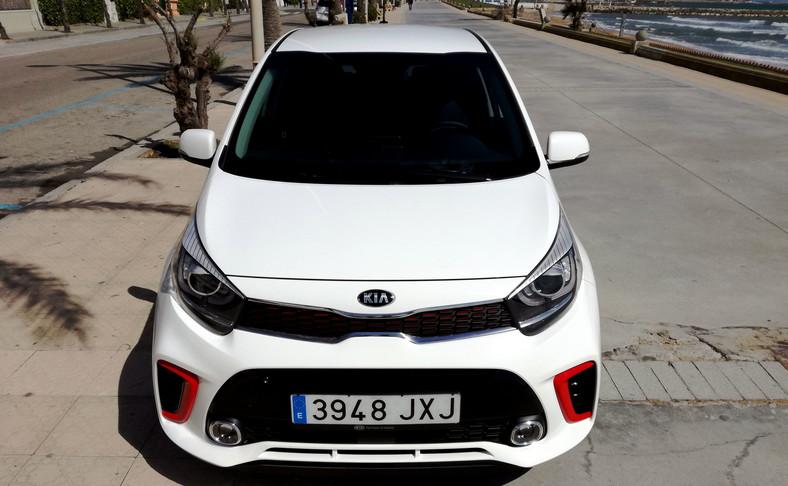 Kia do nowego picanto przewidziała w Polsce benzynowe silniki - trzycylindrowy 1.0/67 KM (80 proc. aut sprzedanych nad Wisłą) lub 1.2/84 KM z czterema cylindrami. Oba współpracują z pięciobiegową skrzynią manualną. Jest też automat do mocniejszego wariantu