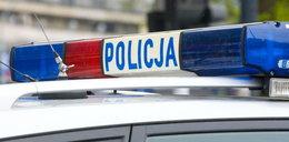 Policjanci drogówki uratowali niepełnosprawnego z płonącego domu