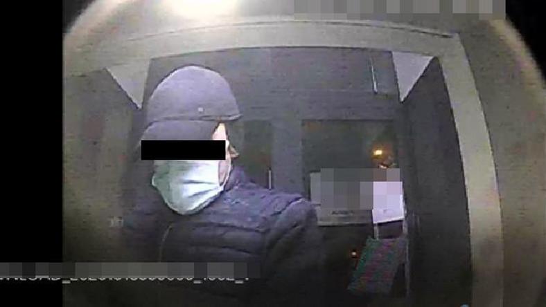 Mężczyźni dokonywali włamań do bankomatów
