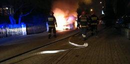 Auto spłonęło od petardy. FILM