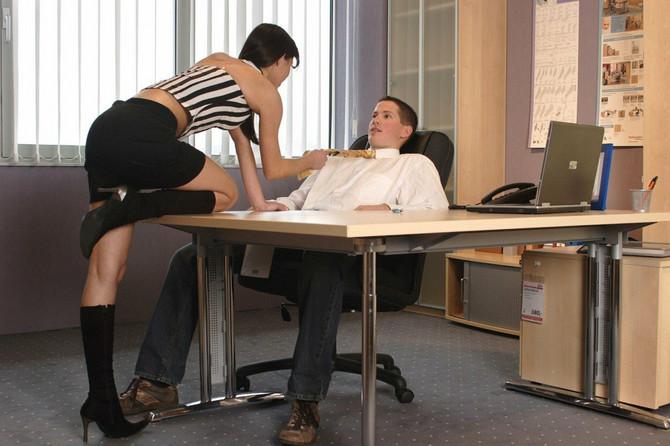 O početku veze i seksu u njenoj kancelariji kasnije smo oboje maštali