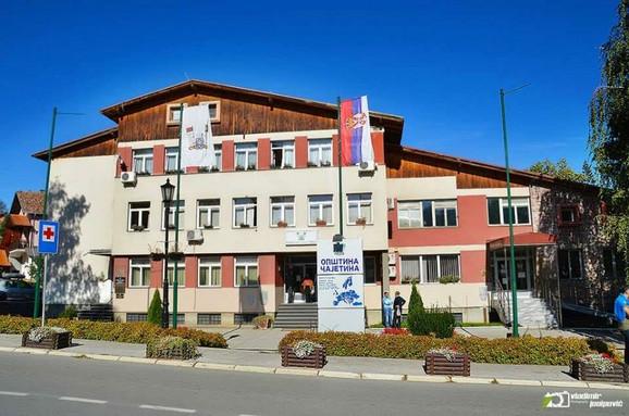 Čajetinska vlast se žalila ambasadama, opozicioni SNS brani Vladu
