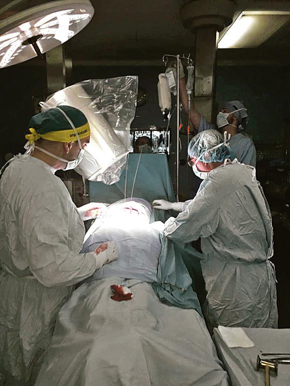 Operisana tri pacijenta sa prelomom i dva sa deformitetom kičme