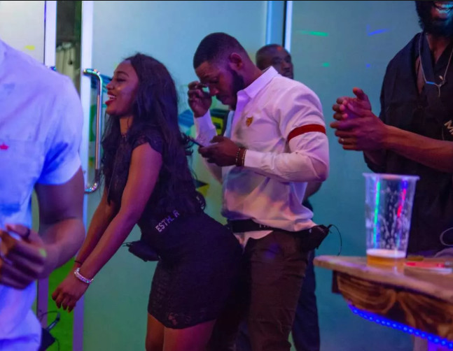 BBNaija housemate, Frodd had his sexual tension doused with a kiss from Esther.[Africa Magic/ BBNaija]