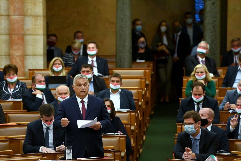 A szakértők 200 ezer fertőzöttel számolnak a második hullámban, a miniszterelnök a duplájára számít / Fotó: MTI Koszticsák Szilárd