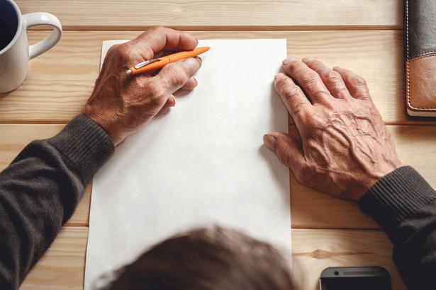 Sporządzenie testamentu jest czynnością osobistą, ponieważ nie można go sporządzić przez pełnomocnika.