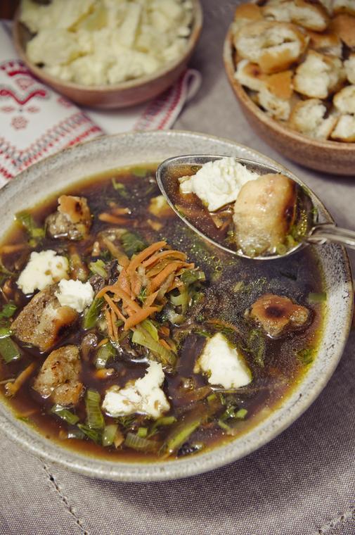 Zupa grzybowa z serem korycińskim