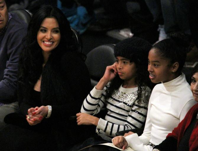 Vanesa Brajant sa  ćerkama Natalijom i Đijanom