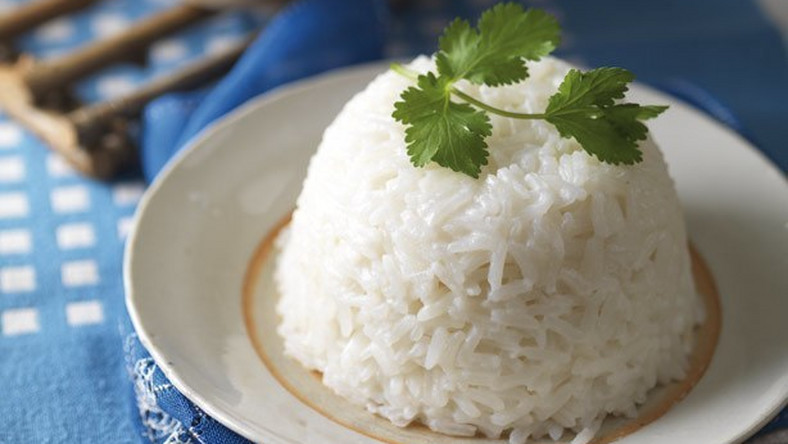 We explore 5 healthy alternatives to white rice you can find in Nigeria