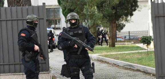 Velike mere obezbeđenja  /Foto: Vijesti.me/Savo Prelević