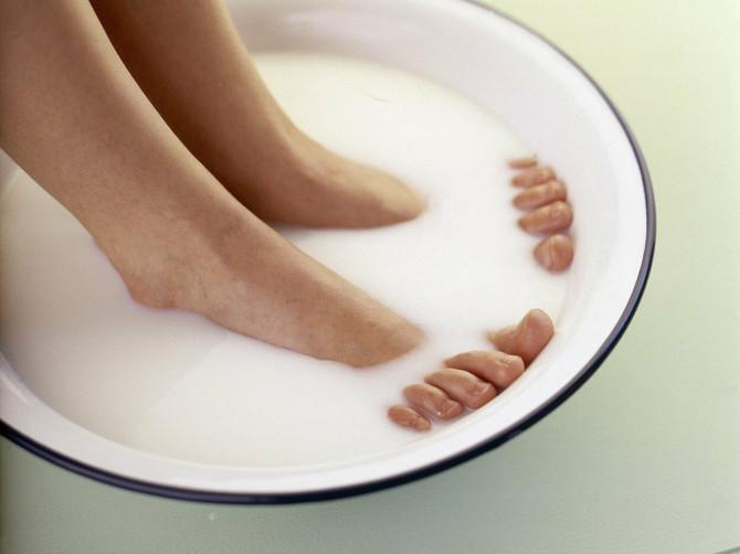 Malo mleka i sode bikarbone čini čuda za stopala! Isprobajte ovu kupku i uverite se i sami