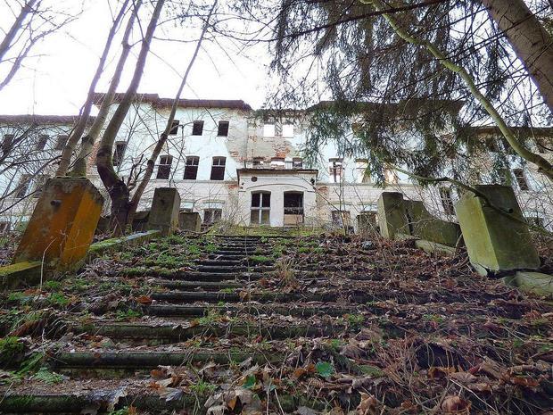 Opuszczone sanatorium w Barcinku pod Jelenią Górą