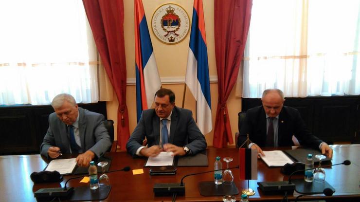 Milorad Pavić, Milorad Dodik i Petar Đokić
