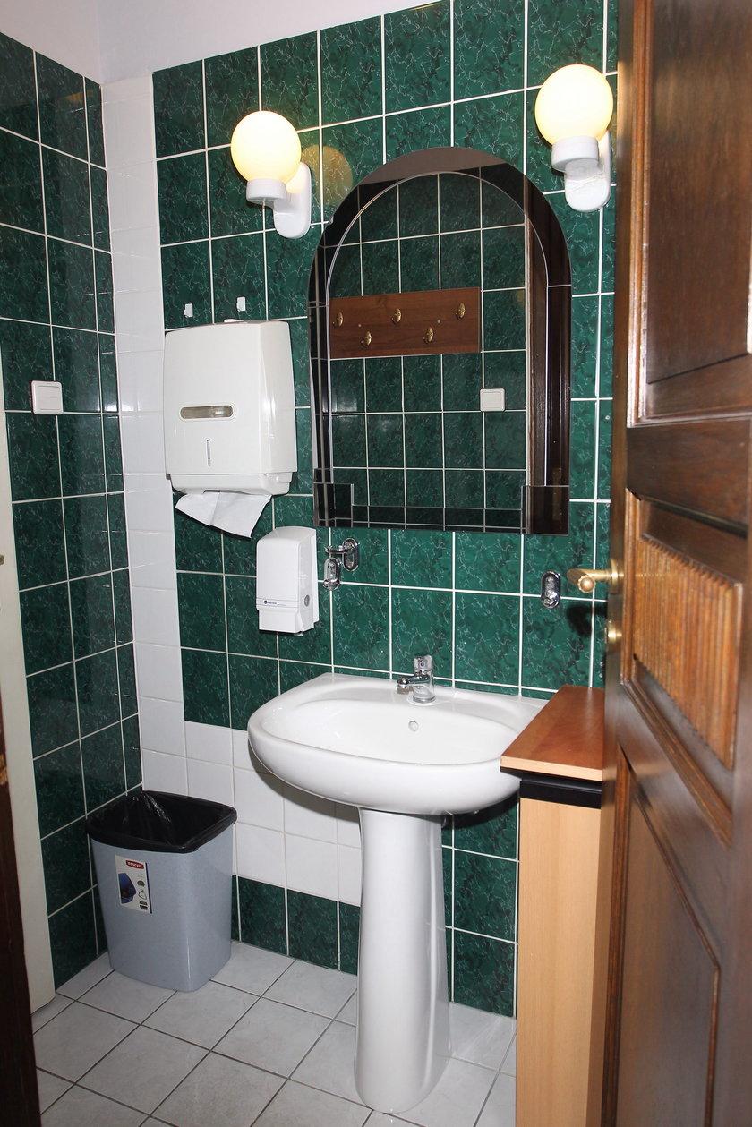Łazienka niezgody