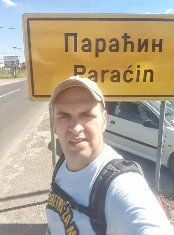 Vladan Vugdelija za sedam sasti prehodao 40 kilometara od Resavice do Paracina