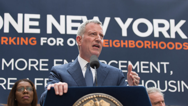 De Blasio ally pans NYCHA deal and decides he's 'ready to go'