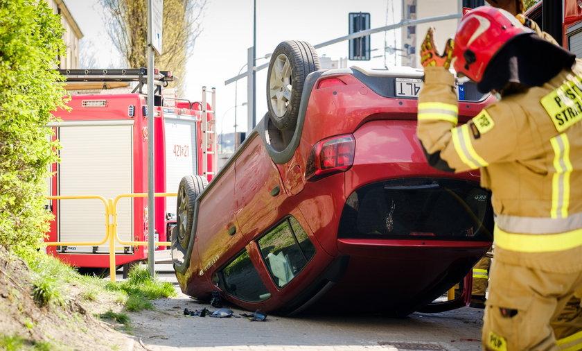Kolizja przy ul. Batorego w Chorzowie. Kierowcy nic się nie stało.