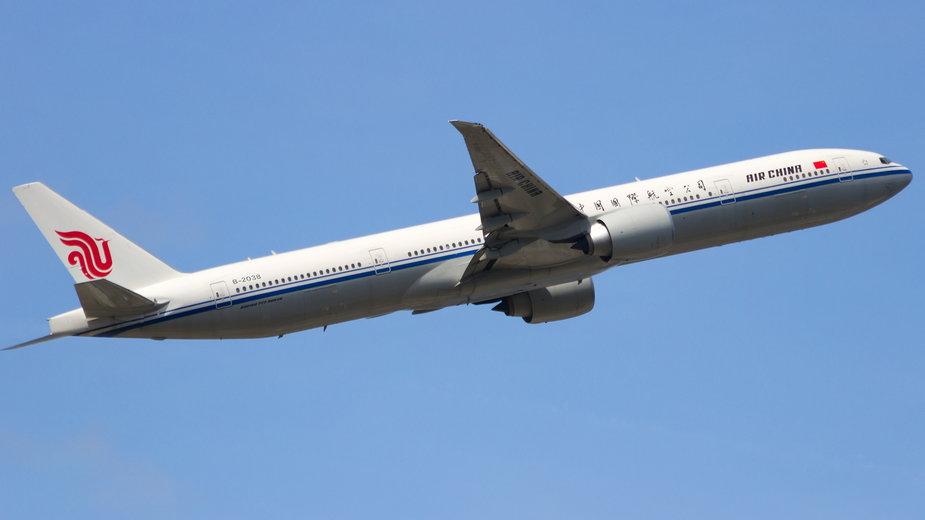 Pasażer popełnił samobójstwo na pokładzie samolotu linii Air China