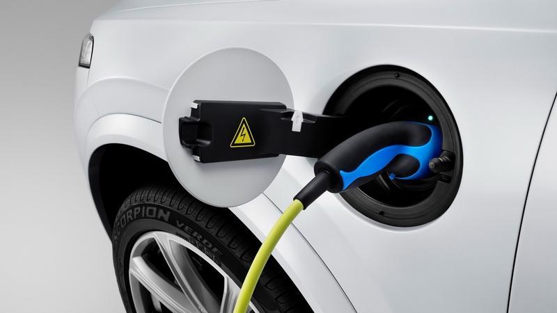 Rośnie sprzedaż elektrycznych samochodów