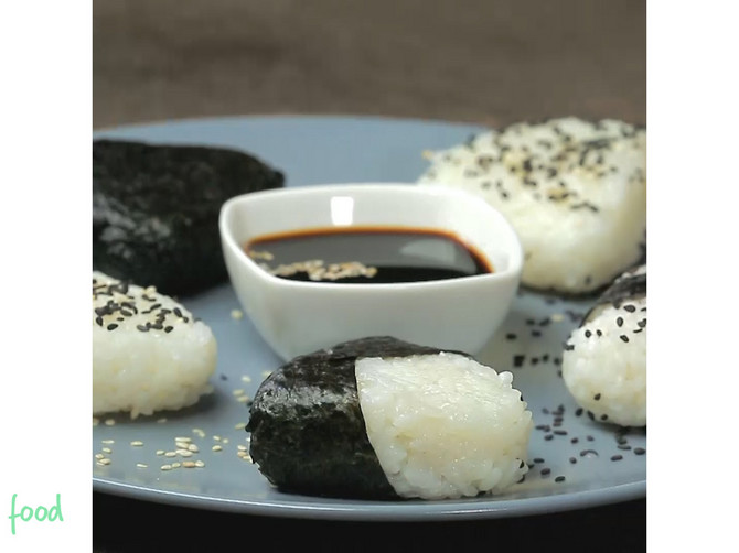 Noizz_food_Onigiri_Japan_safe