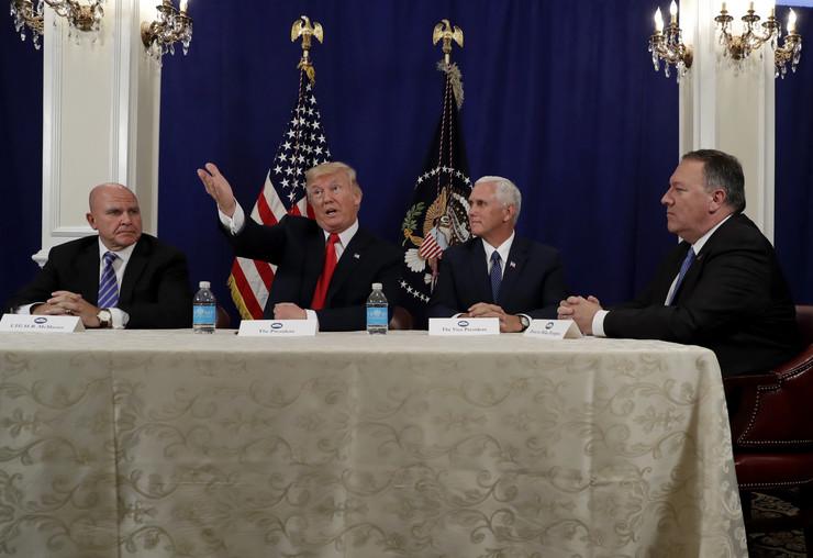 H.R. Mekmaster, Donald Tramp, Majk Pens i Majk Pompeo