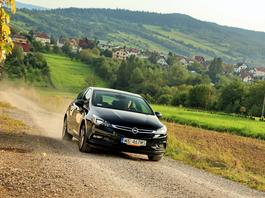 Opel Astra 1.0 Turbo: trzy cylindry to standard