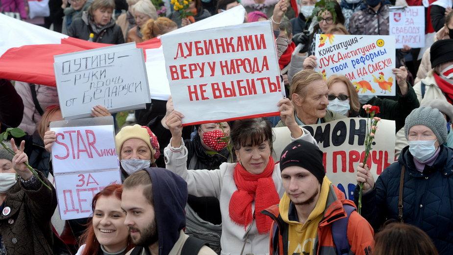 Protest emerytów i studentów w Mińsku