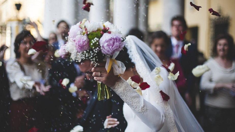 W sieci pojawiły się sfałszowane zaświadczenia o kursach przedmałżeńskich, fot: Pixabay.com/Pexels