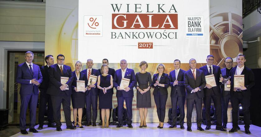 """Perły polskich finansów. Najlepsze banki nagrodzone przez """"Forbesa"""" i """"Newsweeka"""""""