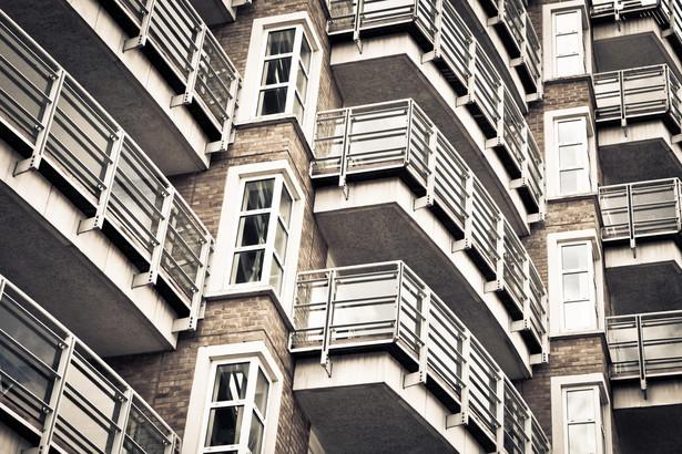 W piątek SN w składzie 3 sędziów podjął uchwałę, zgodnie z którą roszczenie spółdzielni mieszkaniowej o zwrot części opłaty rocznej z tytułu użytkowania wieczystego jest związane z prowadzeniem działalności gospodarczej i przedawnia się w terminie 3 lat, określonym w art. 118 k.c.