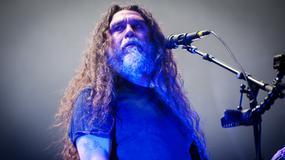 Lider Slayer opluty przez fana na koncercie
