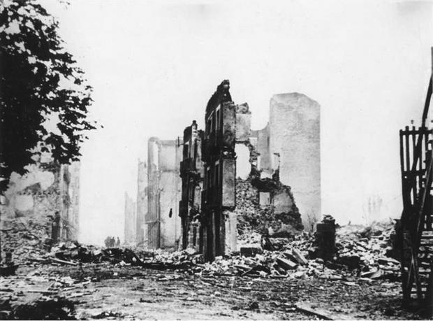 Guernika zbombardowana przez niemiecki  Legion Condor w 1937 r.