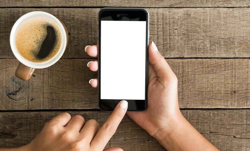Coraz więcej młodych ludzi jest uzależnionych od smartfonów