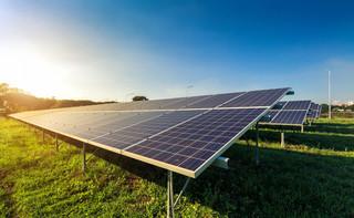 Produkujesz prąd z paneli słonecznych? Koniec z dodatkowymi formalnościami dla fiskusa