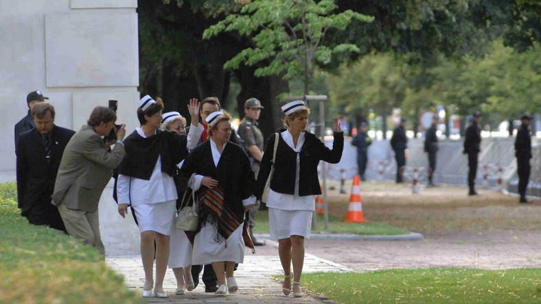 Pielęgniarki okupujące w czerwcu zeszłego roku kancelarię premiera miały z niej zostać usunięte siłą i wywiezione do prokuratury