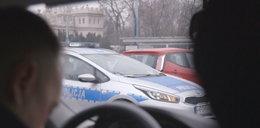 Taksówkarze łapią nielegalnych przewoźników. Byliśmy na akcji z kamerą