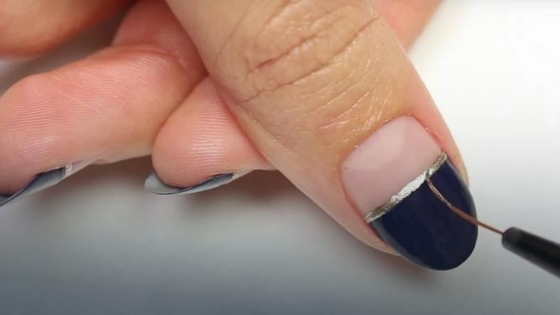Prosty i elegancki manicure