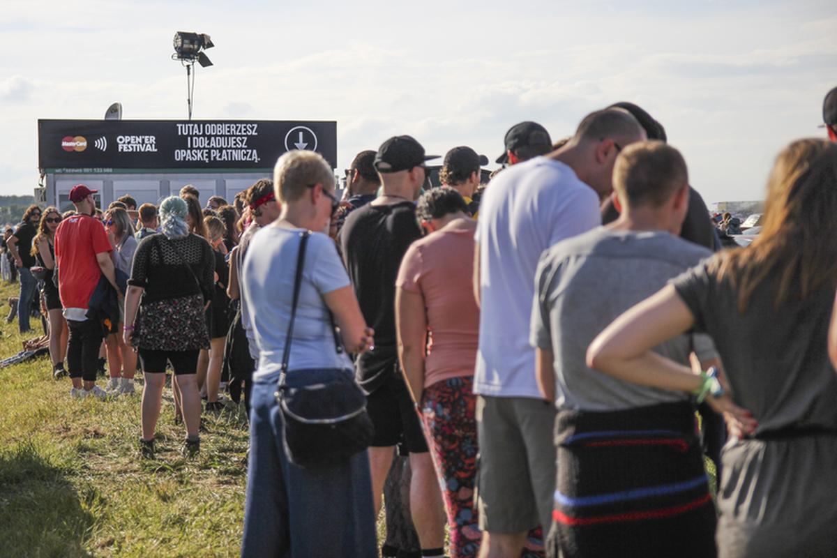 Opaski zbliżeniowe wywołały ogromne zainteresowanie festiwalowiczów