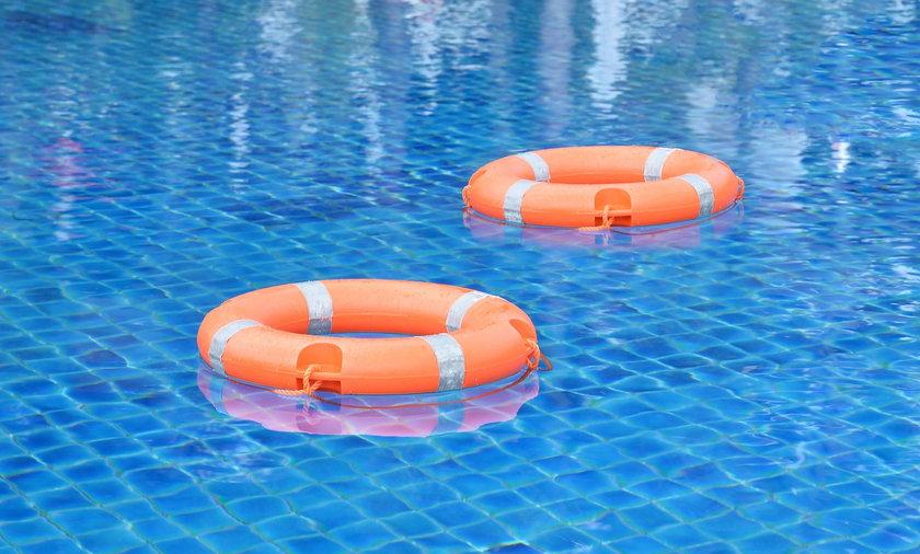 Rybnik. 14-latek utopił się na basenie przy ul. Powstańców Śląskich