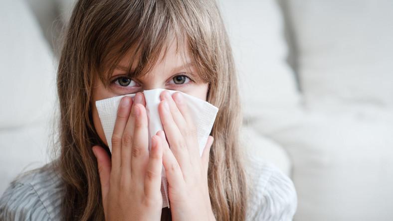 Dziewczynka ma alergię