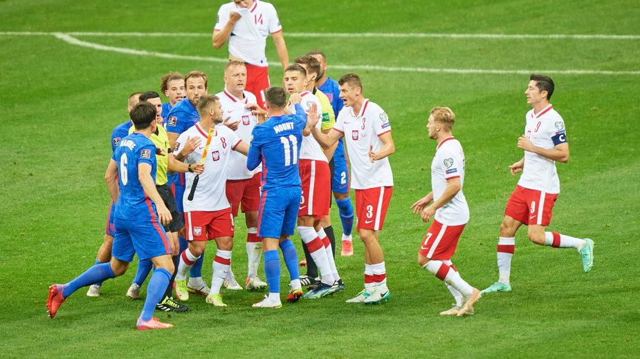 Starcie w meczu Polska - Anglia