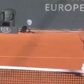 "FALILO JE SAMO ""UDAJ SE ZA MENE!"" Nestvarna teniska scena, Pablo Kuevas PAO NA KOLENA pred sudijom i molio je da ga posluša! /VIDEO/"