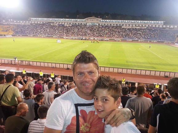 Dragan i Aleksandar Isailović na stadionu Partizana u Humskoj