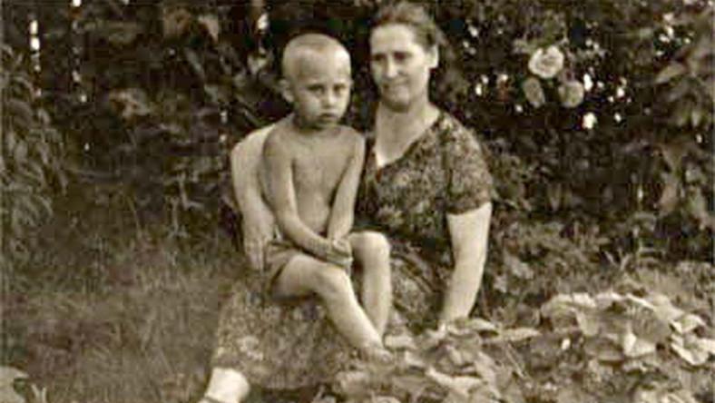 Maria Iwanowna i mały Wowa Putin