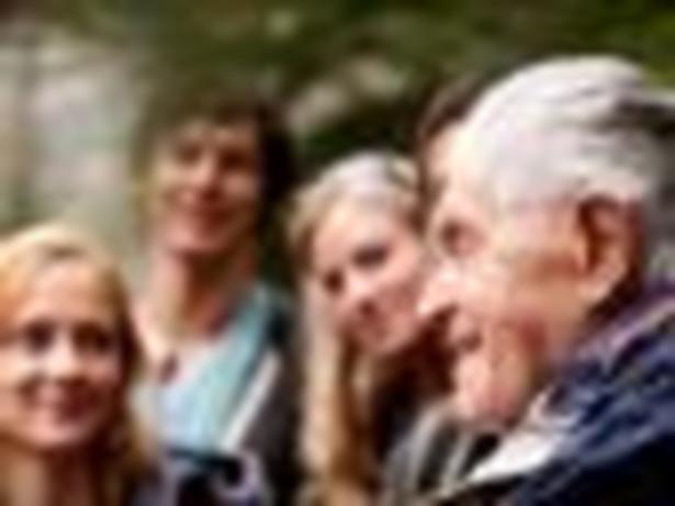Seniorzy pozostają niemal niezauważeni jako obywatele