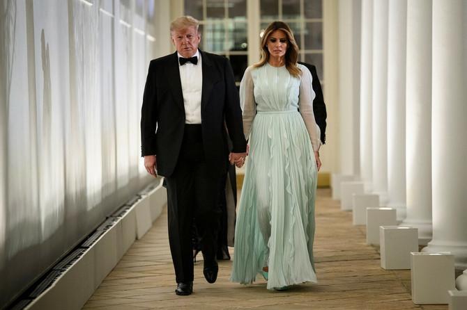 Melanija u mint haljini brenda Džej Mendel