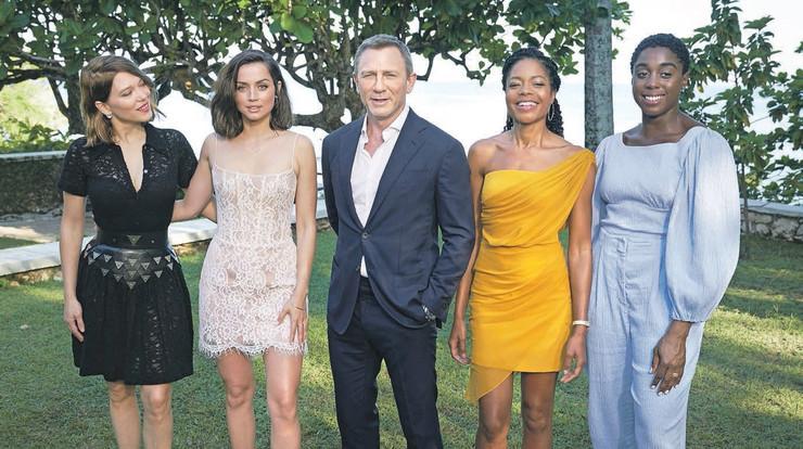 Bondove devojke ili epizodne glumice: Lea Sejdu, Ana de Armas, Danijel Krejg, Naomi Haris i Lašana Linč
